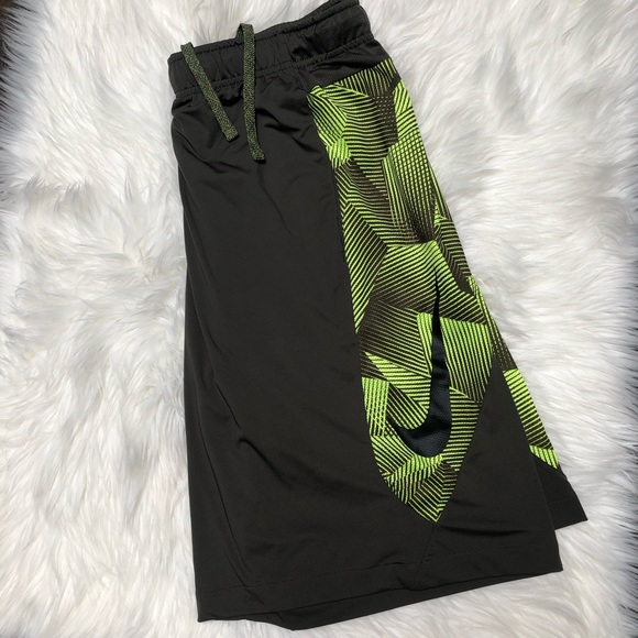 Men's Nike Pro Running Shorts Dri Fit Size L Slim Fit Olive Green New With Tags